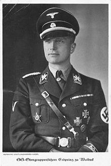 """Erfprins"" en SS-Obergruppenführer Josias Zur Waldeck Pyrmont, de volle neef van ons staatshoofd Beatrix von Amsberg-Zur Lippe Biesterfeld, was gouverneur over het district met KZ-Lager Buchenwald..."